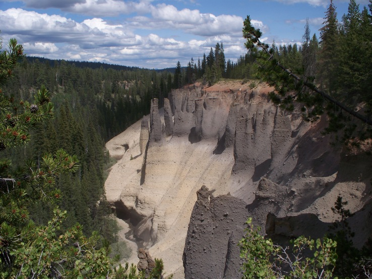 Pinnacles Overlook, in Crater Lake National Park